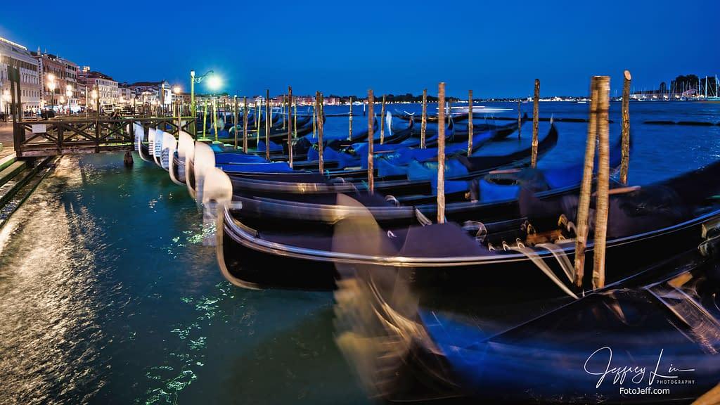 11. 101 Ways to Take Pictures of Gondola