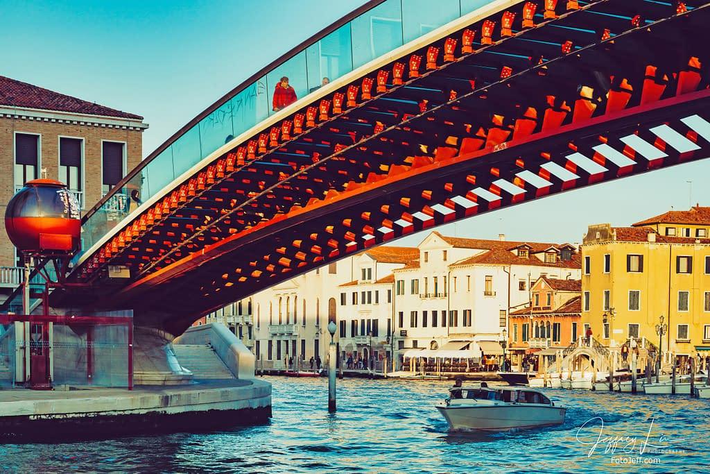 1. Constitution Bridge (Ponte della Costituzione) / Calatrava Bridge