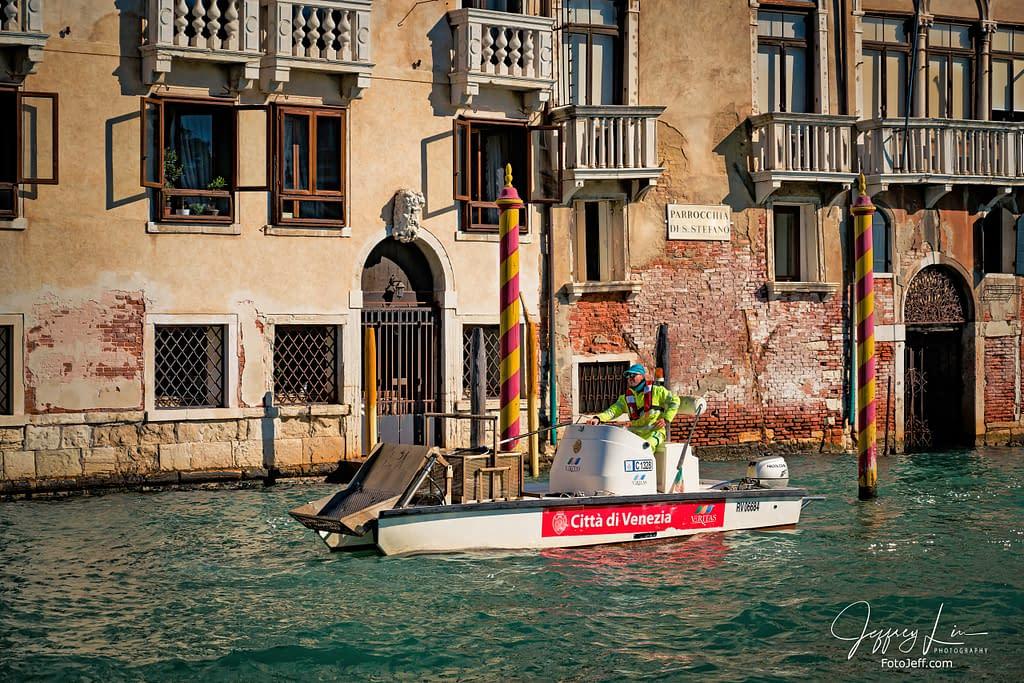 89. Rubbish Removal in Venice