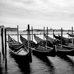 20. 101 Ways to Take Pictures of Gondola